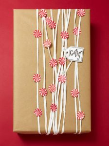 10 Clever + Unique Ways To Wrap Gifts with Brown Kraft Paper. DIY Gift Wrapping Ideas - How To Wrap A Present - Tutorials, Cool Ideas and Instructions. Cute Gift Wrap Ideas for Christmas, Birthdays and Holidays. Tips for Bows and Creative Wrapping Papers. Polka-Dot-Gift-Wrap .